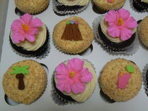 Luau_cupcakes_2