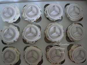 Mercedes_cupcakes